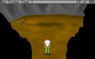 Všimli jste si podezřele tmavého místa uprostřed jeskyně? Tak to určitě víte, že je to tajemná tmavá jáma, do které si Ben musí nějakým způsobem posvítit.